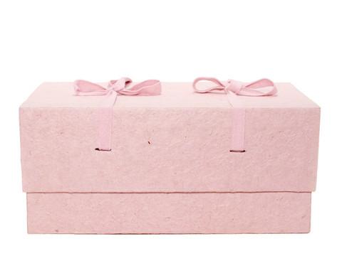 C16, vaaleanpunainen, 4-kulmainen vauva-arkku S