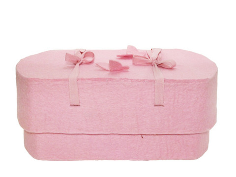 C15C butterfly, light pink, felt oval babycasket S