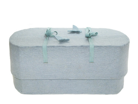 C23A butterfly, light blue, felt oval babycasket L