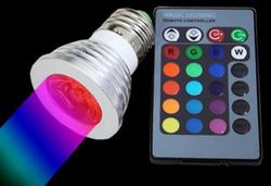 LED Spottilamppu E27, 4W, RGB (sisältää kaukosäätimen)