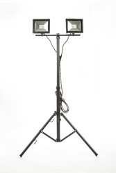 LED Energie Slim valonheitin 2x30W tripod jalustalla