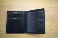 Bugatti lompakko mustan