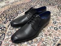 Bugatti mustat puvun kengät