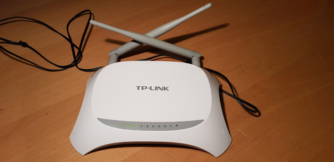 TP-LINK TL-MR3420 ‐WiFi-reititin