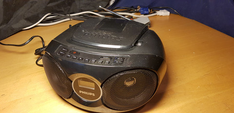 Radio / CD -soitin (Philips)