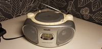Pieni radio ja cd -soitin (Philips)