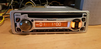 Autoradio / CD -soitin (Panasonic)