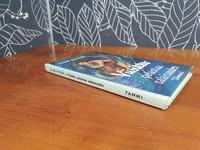 Viisikko pelastaa salaisuuden -kirja
