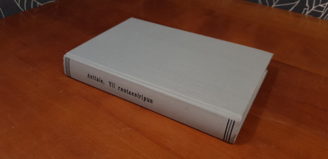 Anttala Esa: Yli rautaesiripun -kirja