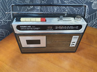 Retro radio (Music Air 2000)