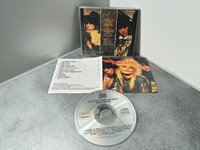 CD-levy (Hanoi Rocks - Two Steps From the Move)