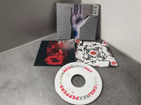 CD-levy (RHCP - RedBloodHotSugarChiliSexPeppersMagik)