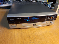 Tallentava CD -soitin (Philips CDR570)