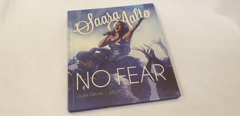 Kirja (Saara Aalto - No Fear)