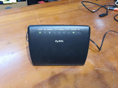 ADSL2+/VDSL -modeemi (ZyXEL VMG1312-B10D)