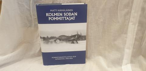 Kolmen sodan pommittajat -kirja