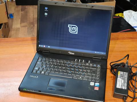 Kannettava tietokone (Fujitsu Siemens MS2212)