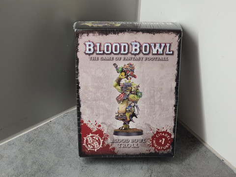 Miniatyyri (Blood Bowl Troll) #2