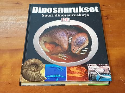 Kirja (Dinosaurukset. Suuri dinosauruskirja)