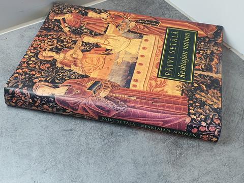 Kirja (Keskiajan nainen)