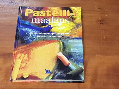 Kirja (Hazel Harrison - Pastellimaalaus)