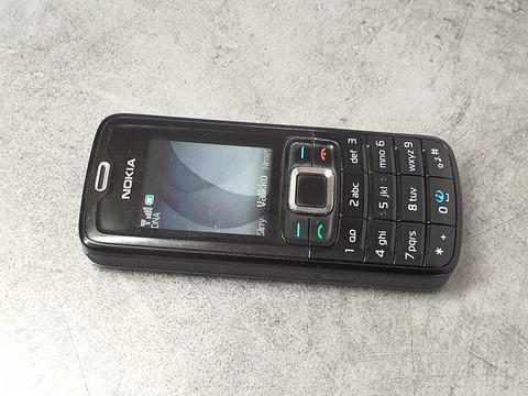 Puhelin (Nokia 3110c) #2