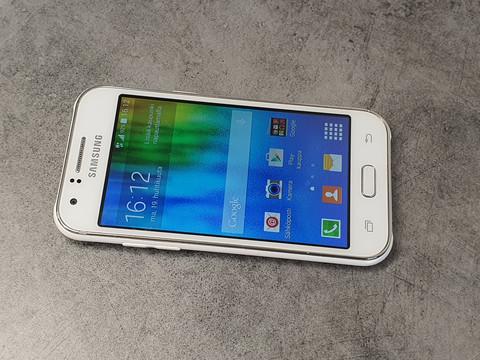 Puhelin (Samsung Galaxy J1) #2