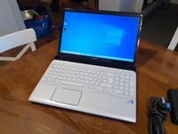 Kannettava tietokone (Sony Vaio SVE151J13M)