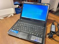 Kannettava tietokone (Samsung X120)