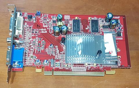 Näytönohjain (ATI Radeon X600)