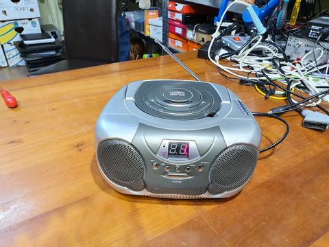 Radio/CD -soitin (Biltema art. 24-645)