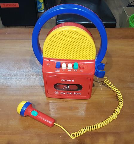 C-kasettinauhuri (My First Sony - lelunauhuri)