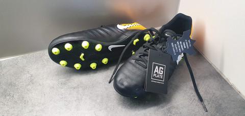 Jalkapallokengät, koko 37,5 (Nike - Tiempo)