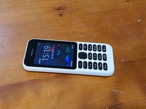 Puhelin (Nokia RM-1111)