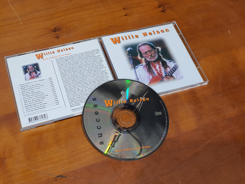 CD -levy (Willie Nelson - Home Is Where You're Happy)