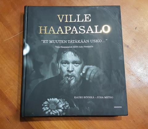 Kirja (Kauko Röyhkä, Juha Metso. Ville Haapasalo - Et muuten tätäkään usko).