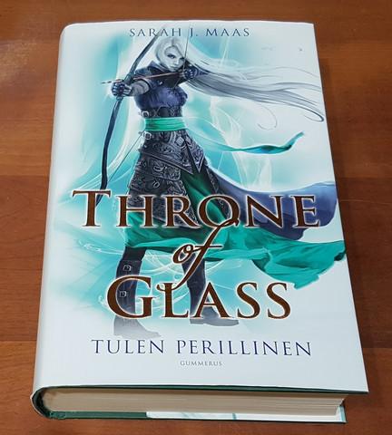 Kirja (Sarah J. Maas - Throne of Class - Tulen perillinen)