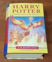 Kirja (J.K. Rowling - Harry Potter And The Order of Phoenix)