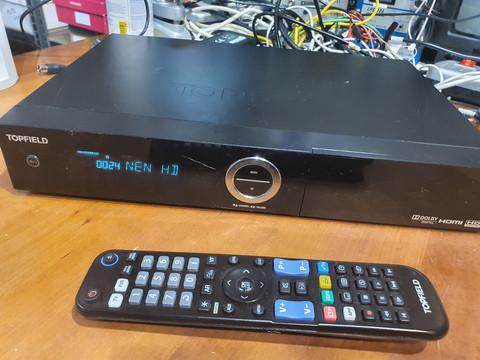 Kaapeliverkon tallentava HD digiboksi (Topfield CRC-2400)
