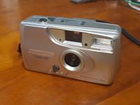 Filmikamera (Olympus Trip 500)