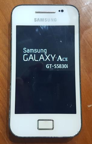 Puhelin (Samsung Galaxy Ace GT-S5830i)