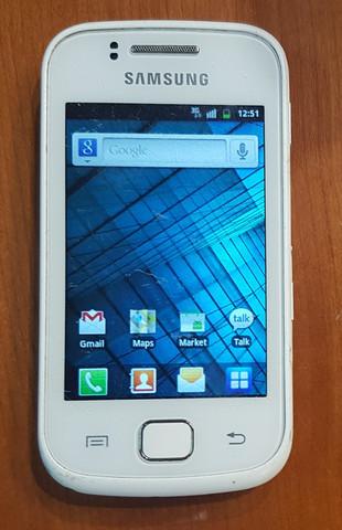 Puhelin (Samsung Galaxy Gio GT-S5660)