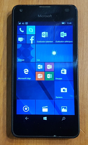 Puhelin (Microsoft Lumia 550)