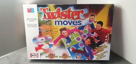 Tanssipeli (Twister Moves)