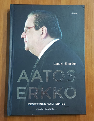 Kirja (Lauri Karen - Aatos Erkko, Yksityinen valtiomies)