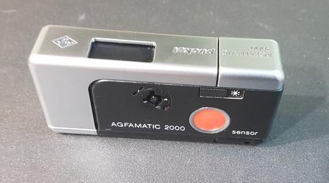 Filmikamera (Agfamatic 2000 pocket)