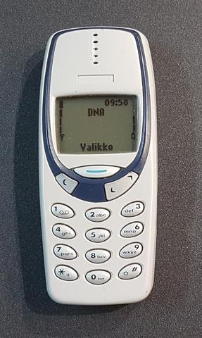 Puhelin (Nokia 3330)