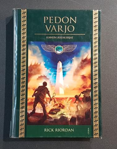 Lasten kierrätyskirja (Rick Riordan - Pedon varjo)