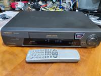 Hifi VHS -soitin (Panasonic NV-FJ610EC-K)