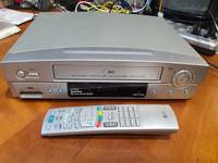 Hifi VHS -nauhuri (LG LV999N)